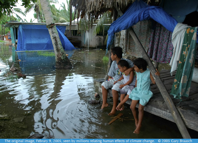 2005 photograph of Tuvalu King tide flooding